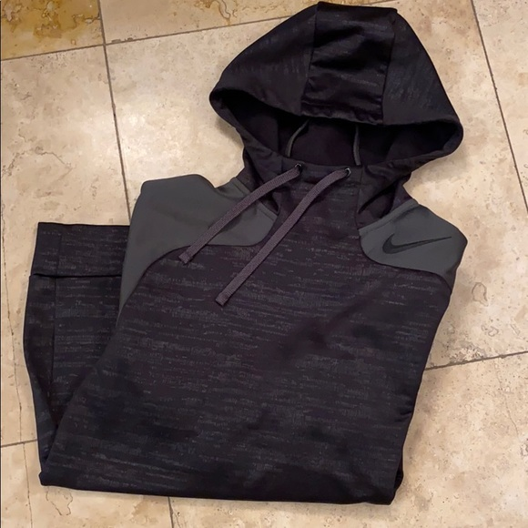 Nike Other - Therma-Fit Hoodie (M)